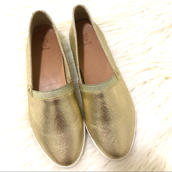 bc75d52414 FRYE Melanie gold metallic slip on sneakers